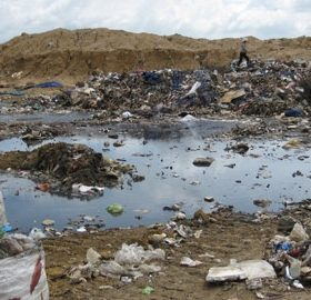 Xử lý nước rỉ rác bằng phương pháp vi sinh