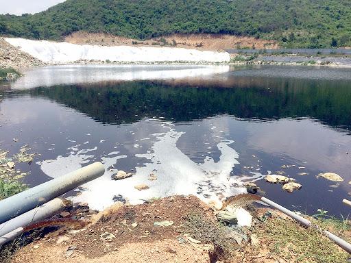 Để khắc phục sự cố rò rỉ nước rác, bác rác Hòn Rọ phải xây dựng một hồ chứa nước mới để thu gom nước thải về xử lý đến khi đạt chuẩn mới thải ra môi trường